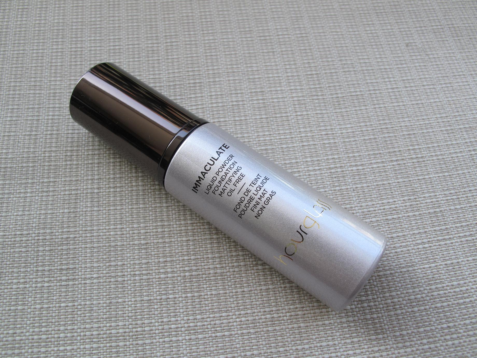 Hourglass Immaculate Liquid Powder Foundation - Fechado