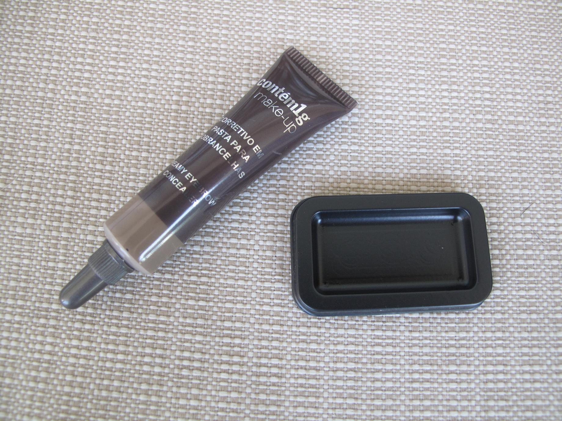 Contém 1g - Corretivo em pasta para sobrancelhas - Fechado