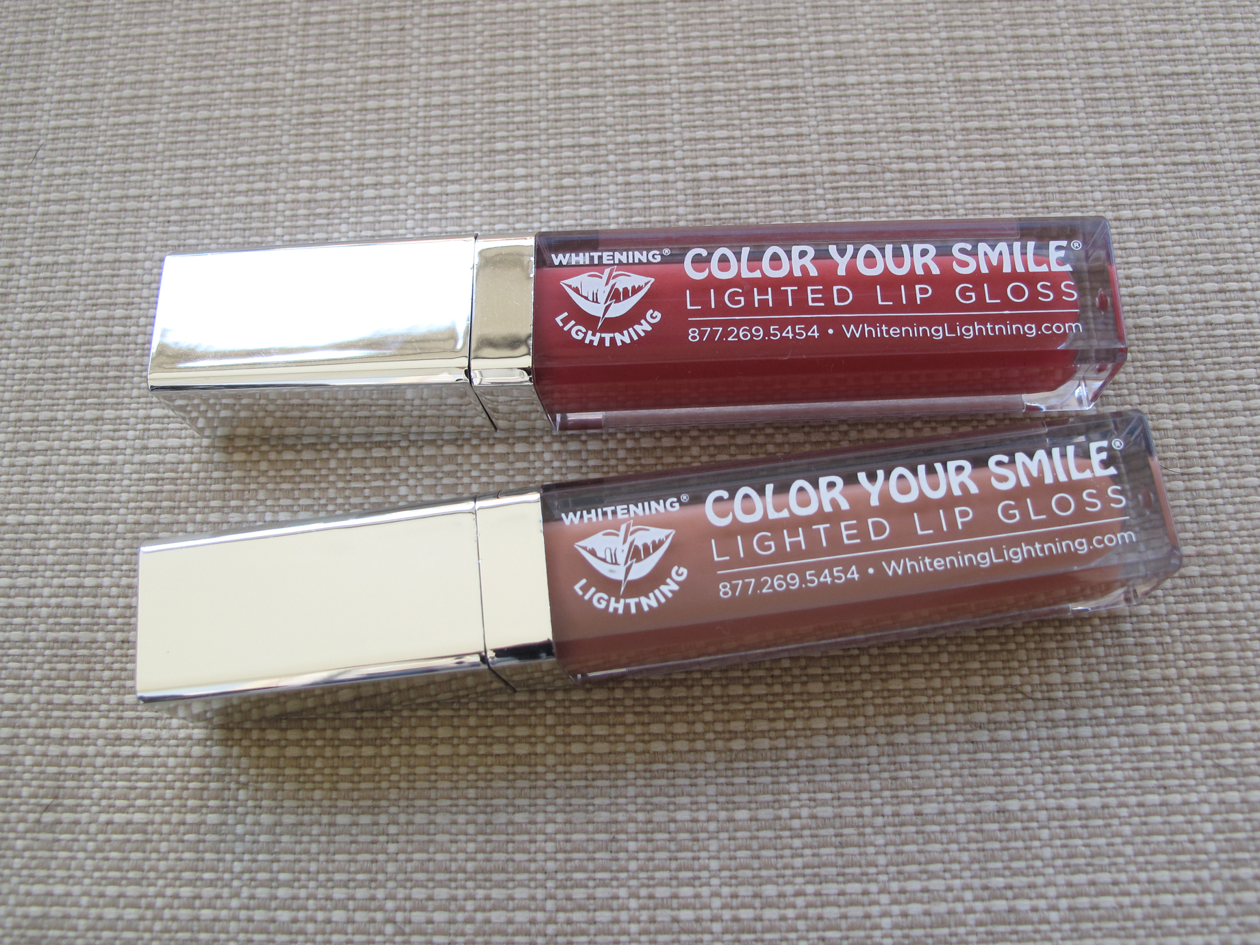 Whitening Lightning - Lip Gloss - Nude e Rose Hill - Fechado