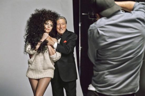 LADY GAGA E TONY BENNETT EM CAMPANHA DE INVERNO DA H&M imagem: divulgação