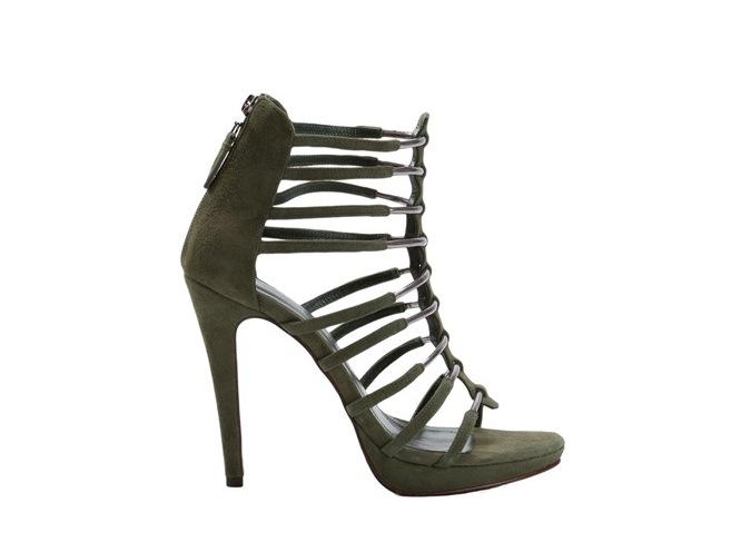 7- Giuliana Romanno $973,00 - Farfetch