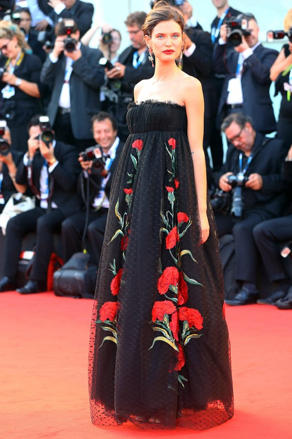 Bianca Balti - Dolce & Gabbana imagem: reprodução