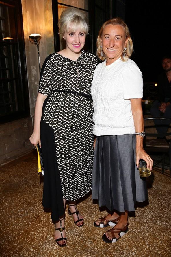 Lena Dunham e Miuccia Prada imagem:reprodução