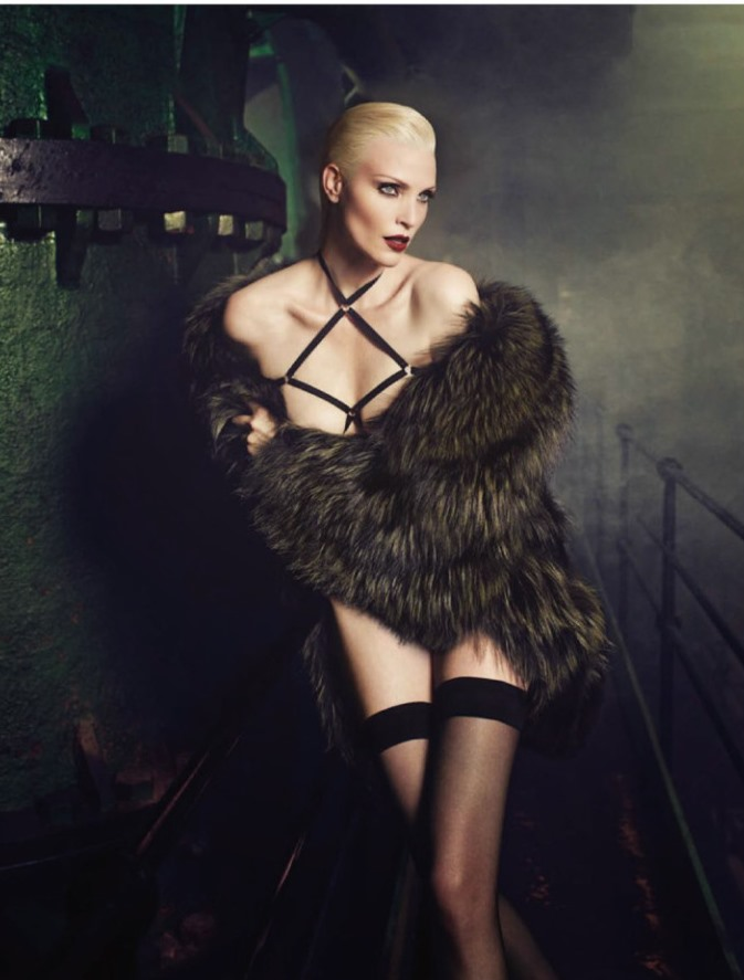 Nadja Auermann - Vogue Alemanha foto: Luigi + Iango