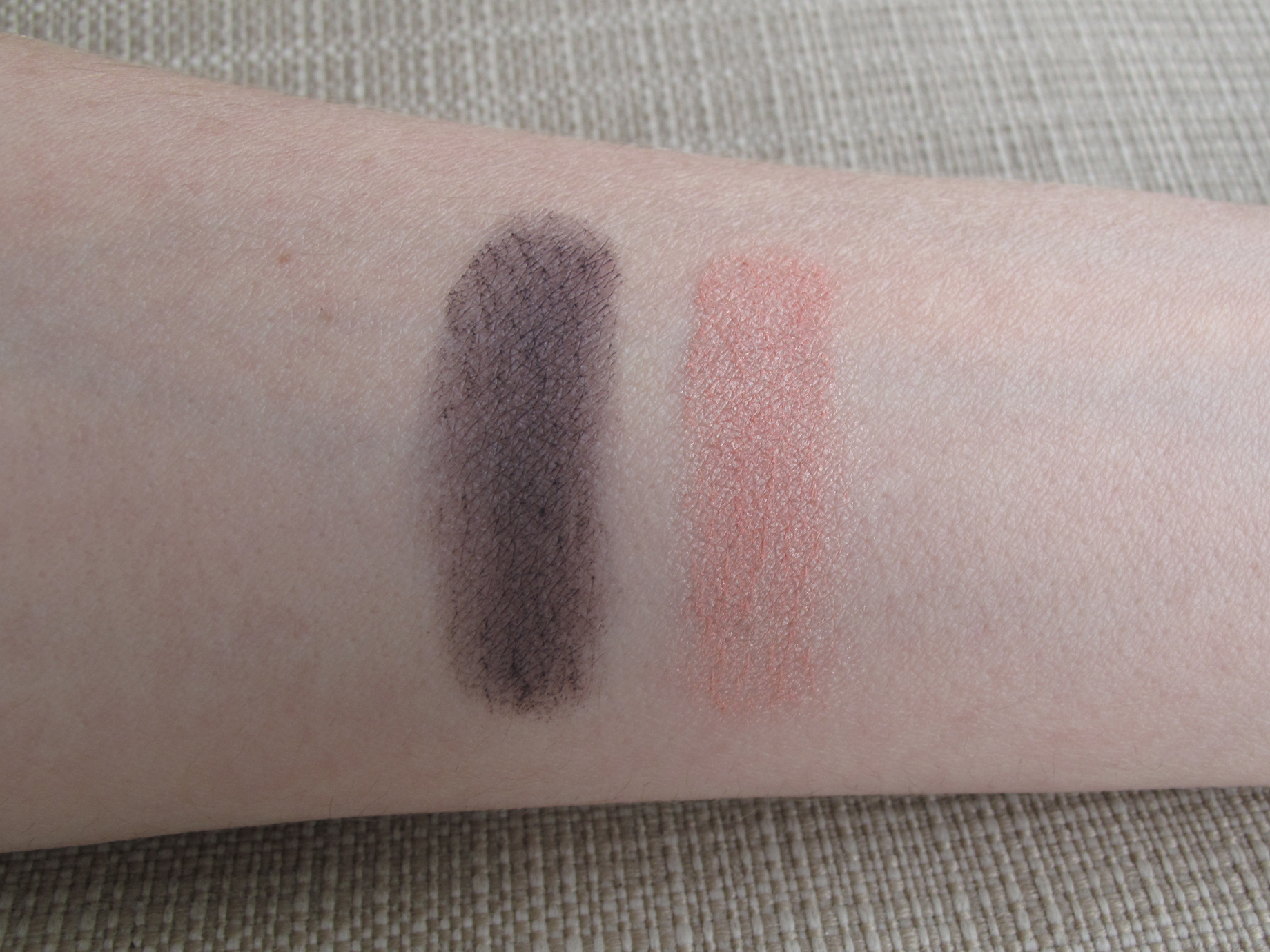 Chanel Duo - Swatch