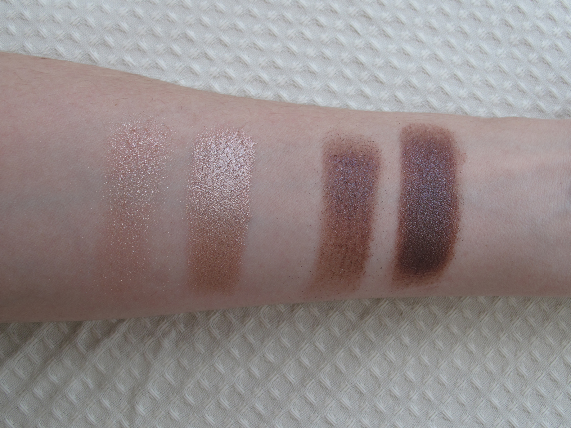 Mac Heirloom Mix - Pressed Pigments - Swatches