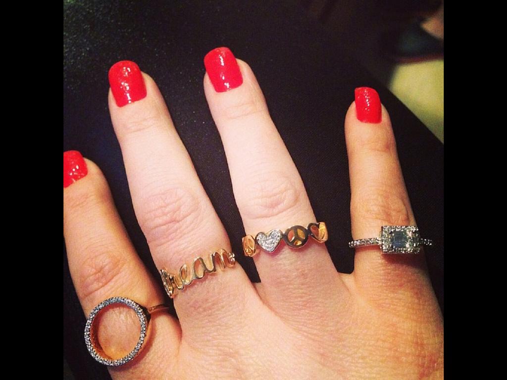 Anéis fininhos, em prata e banho de ouro, $200,00 cada um