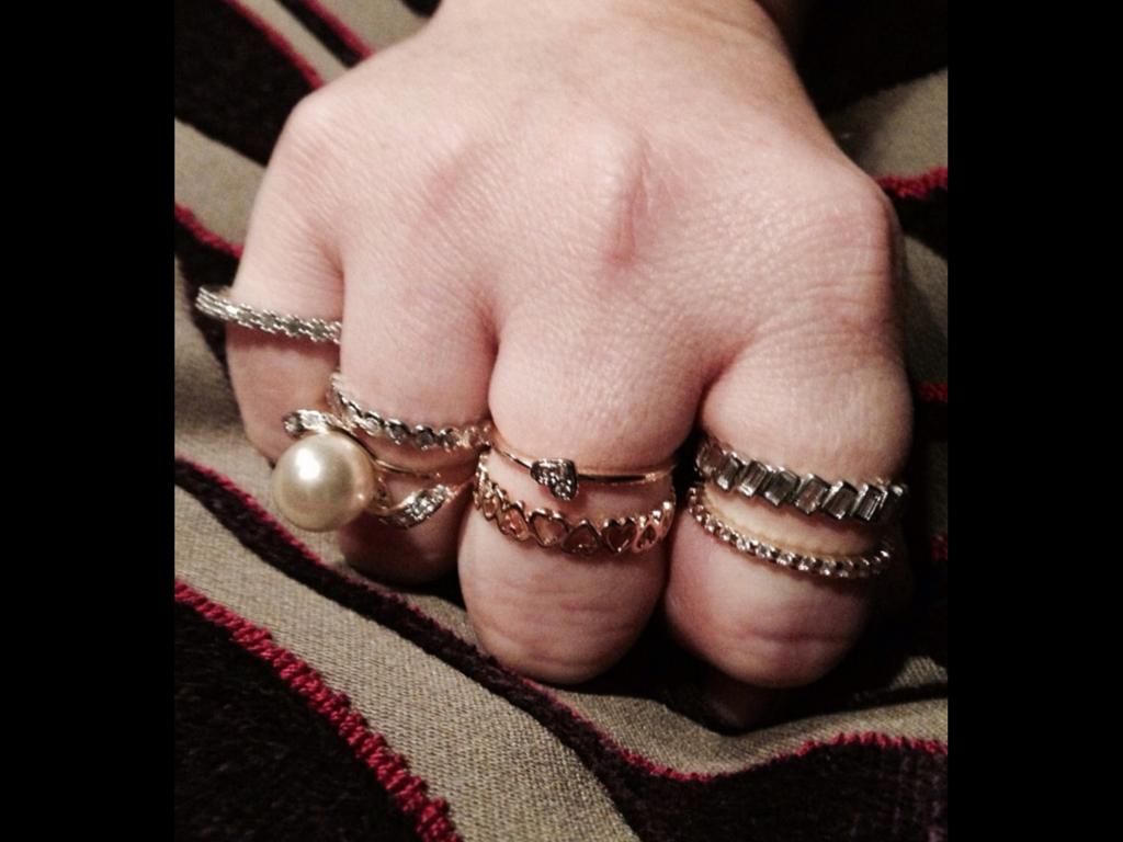 Anéis fininhos em prata, com banho de ouro, $200,00 cada um