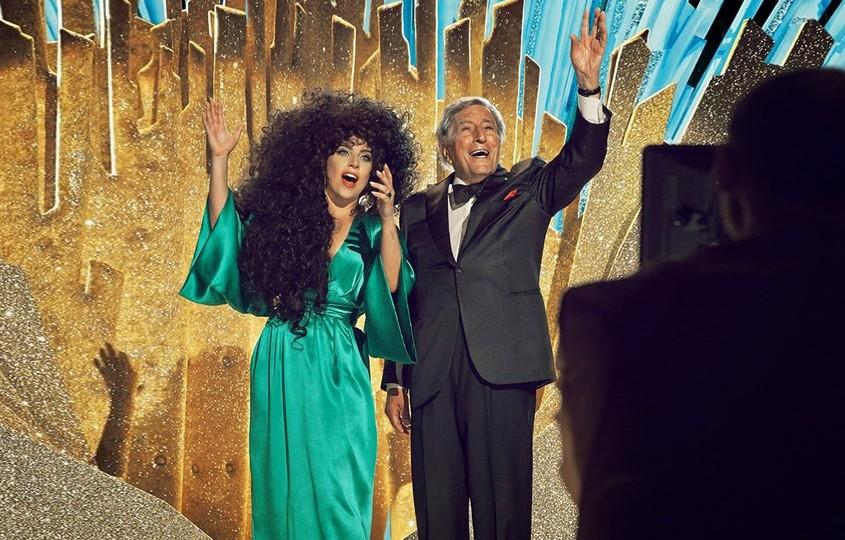 Lady Gaga e Tony Bennett  para campanha de Natal da H&M imagem: reprodução