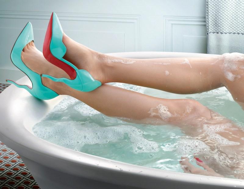 Water In Love - Campanha de Verão 2015 de Christian Louboutin foto: Peter Lippman