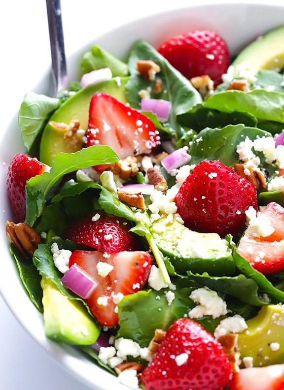 Uma saladinha bem fresca é a refeição perfeita para desintoxicar imagem: reprodução/ pinterest