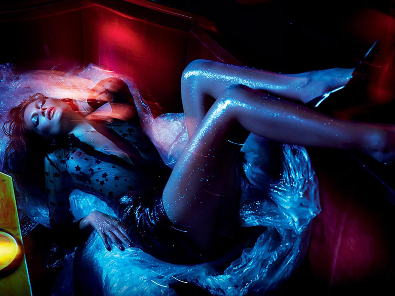 Vogue Rússia - Janeiro 2015 foto: Txema Yeste