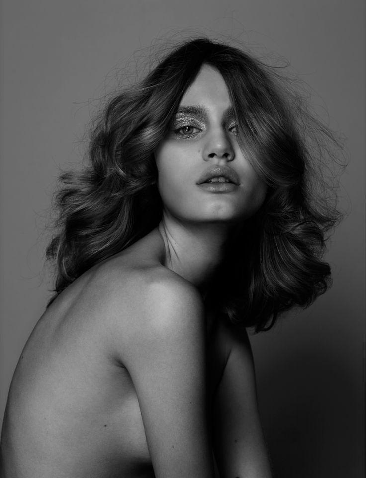cabelos e pele bem cuidados dispensam qualquer roupa de moda! imagem: via pinterest