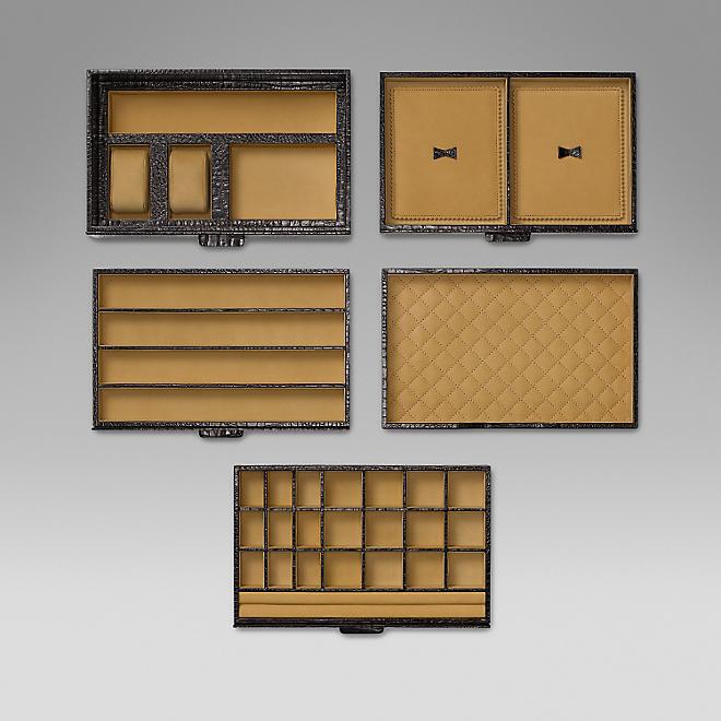 Case para acessórios, em couro, Smytshon imagem: divulgação