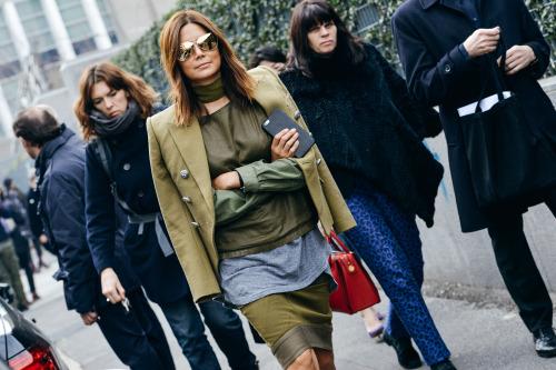 Street style - o verde aparece em muitos looks imagem: via fashion gone rouge
