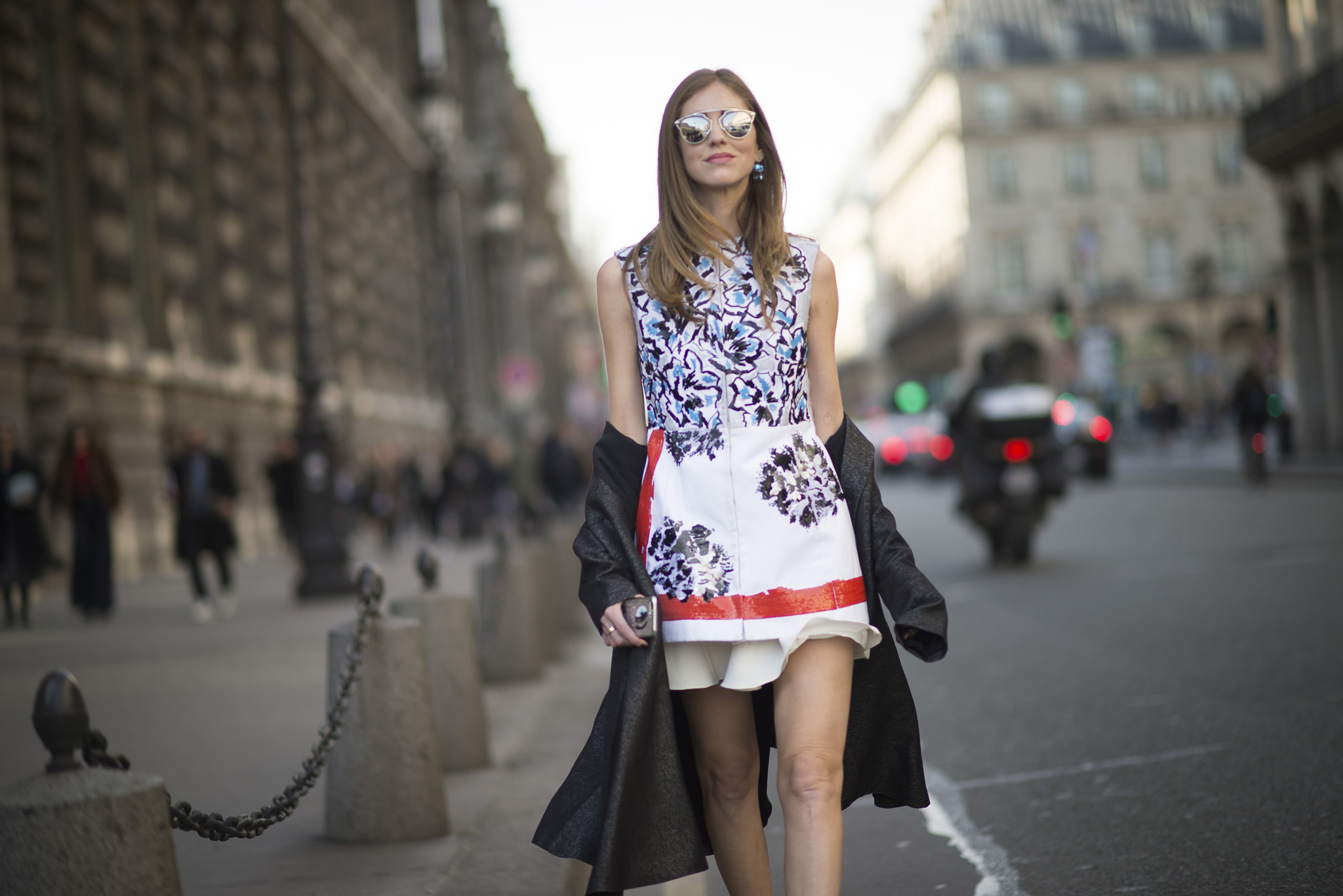 Óculos de sol  Dior So Real imagem: street style via indigitalimages.com