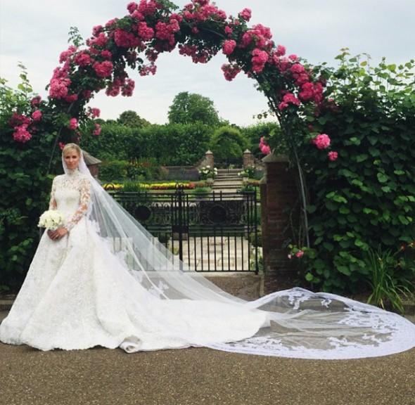 Casamento Nicky Hilton e James Rothschild - Vestido Valentino imagem: instagram