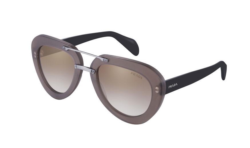 imagem  divulgação   Prada Prada Raw Avenue - nova campanha dos óculos de  sol de madeira imagem  divulgação   590bbeac8c