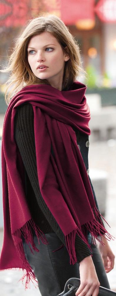 Street style - echarpes, lenços e xales imagem: via pinterest