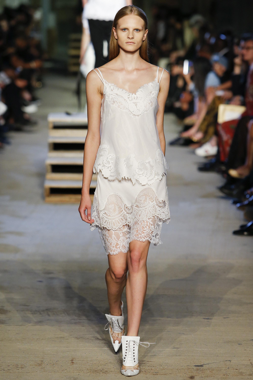 Vestido-camisola - Givenchy verão 2016 imagem: indigitalimages