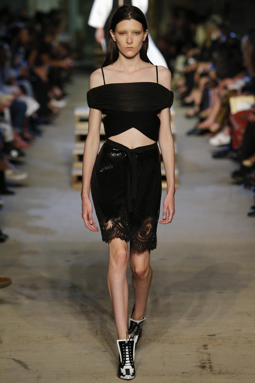 Renda - Givenchy verão 2016 imagem: via pinterest