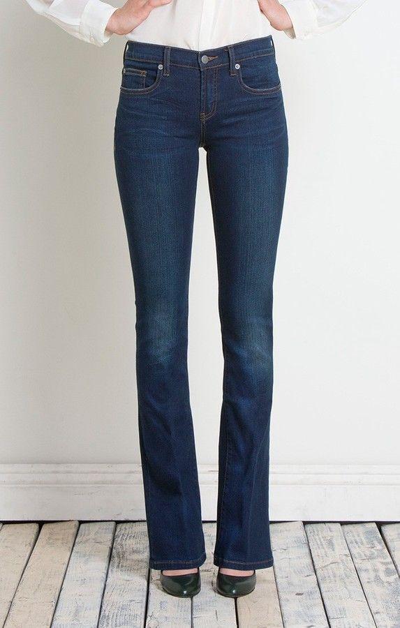 jeans sem lavagem e escuro imagem: via pinterest